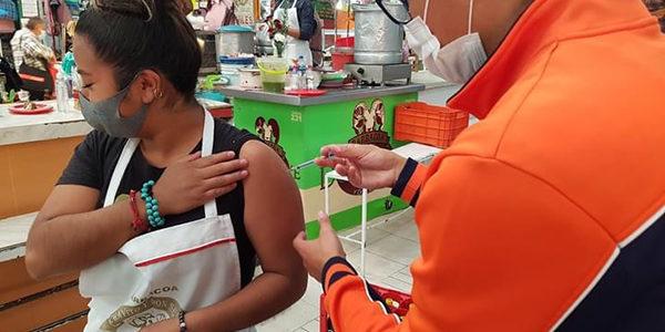 Decenas de ciudadanos vacunados contra la influenza
