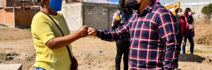 Toño Teutli inicia pavimentación de avenida México-Puebla