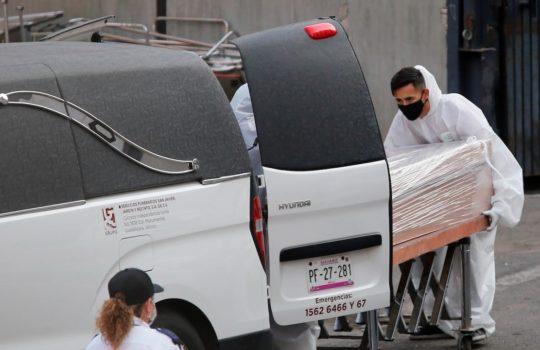 México alcanza los 230 mil 424 muertos por COVID-19