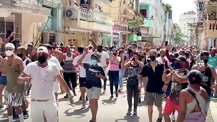Multitudinaria e inédita protesta antigubernamental en San Antonio de los Baños, Cuba