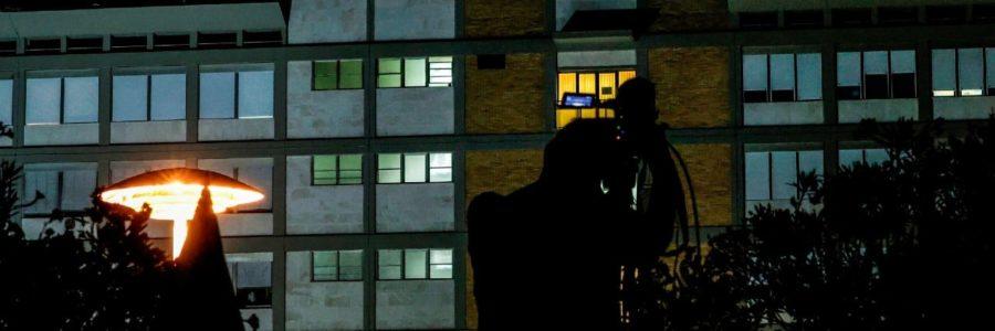 El papa Francisco pasa su segunda noche en el hospital tras operación de colon