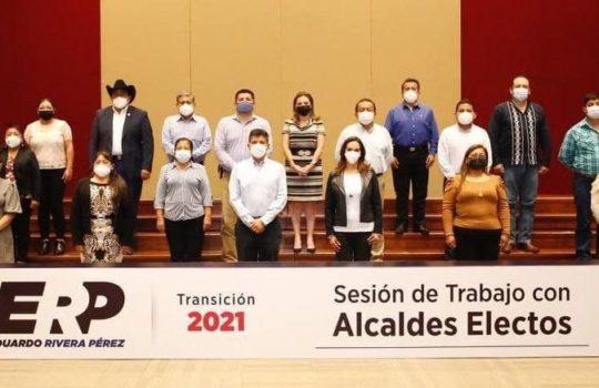 Participa Paola Angon en sesión de trabajo con presidentes electos