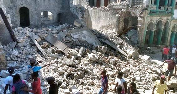Sube a 304 la cifra de muertos por el terremoto en Haití