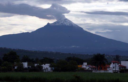 Volcán Popocatépetl acumula tres días con intensa actividad