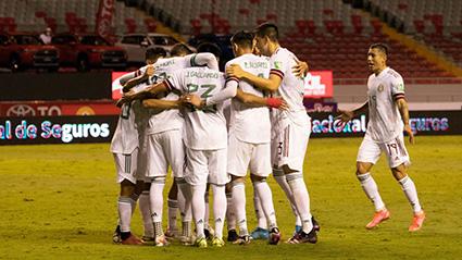 México derrota 1-0 a Costa Rica y sigue como único líder del octogonal de CONCACAF