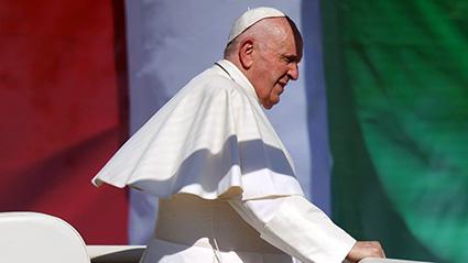 Papa Francisco comienza gira en Budapest y Eslovaquia; se reúne con Orban y presidente húngaro