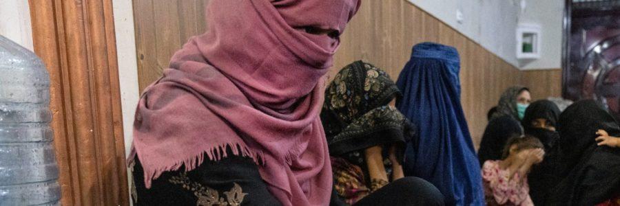 Talibanes cambian el Ministerio de la Mujer por uno en contra de ellas