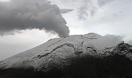 Volcán Popocatépetl registra aumento de exhalaciones