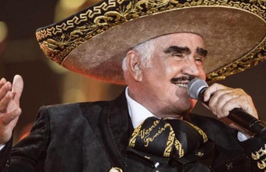 Vicente Fernández se encuentra estable y con discreta tendencia a la mejoría